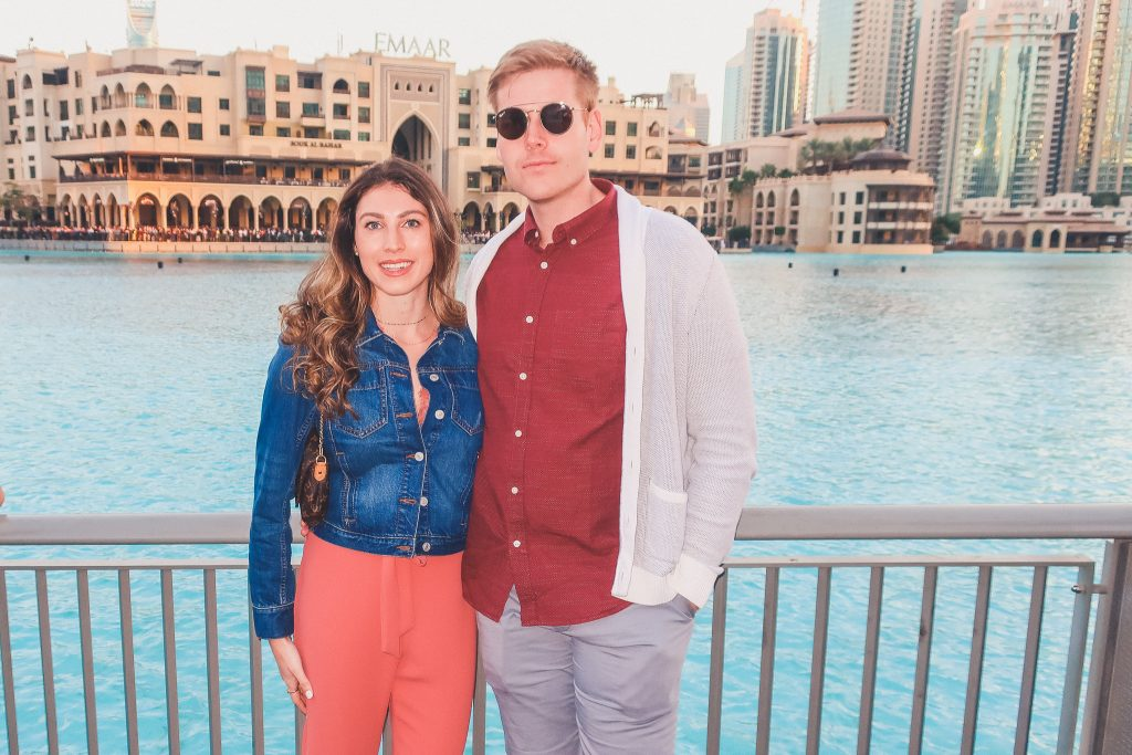 couple at Dubai fountains
