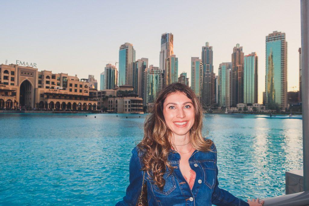 girl at Dubai fountains