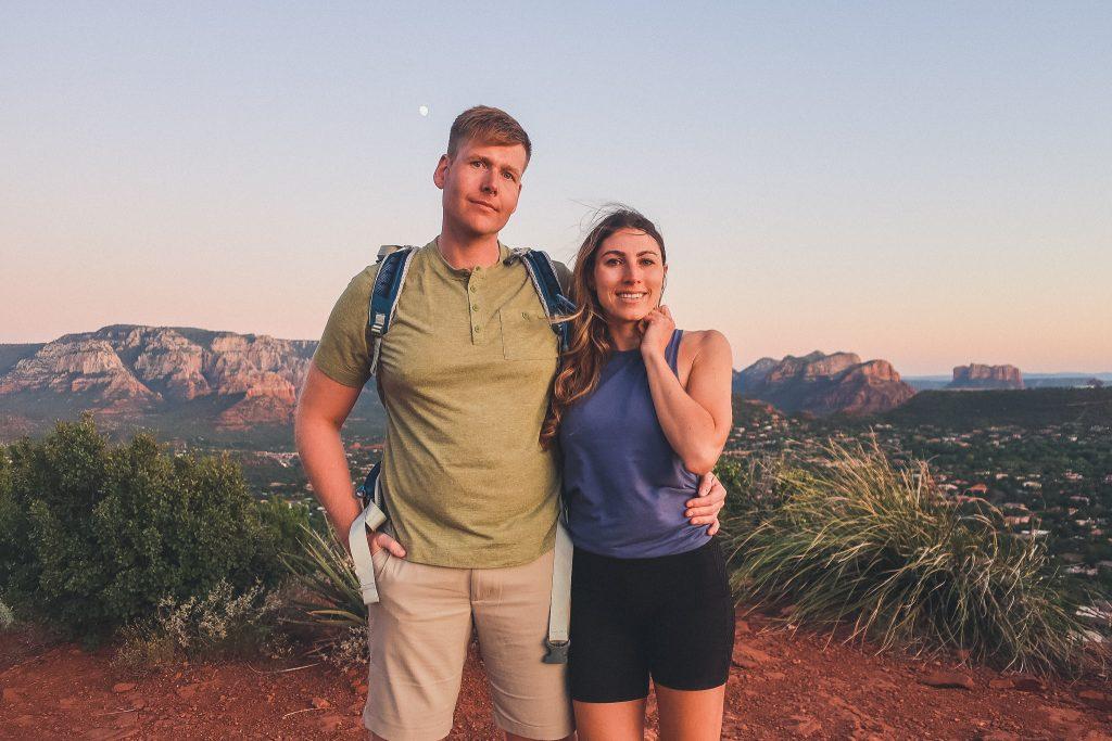 couple in Sedona, Sugarloaf trailhead