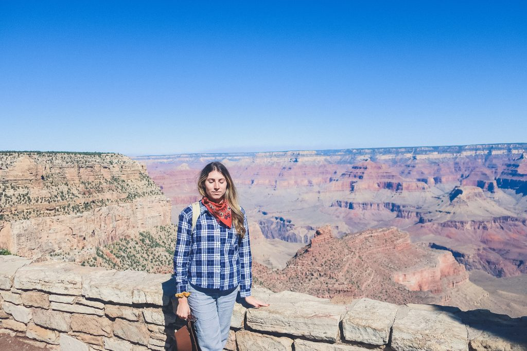 cute outfit at the grand canyon, woman in flannel shirt